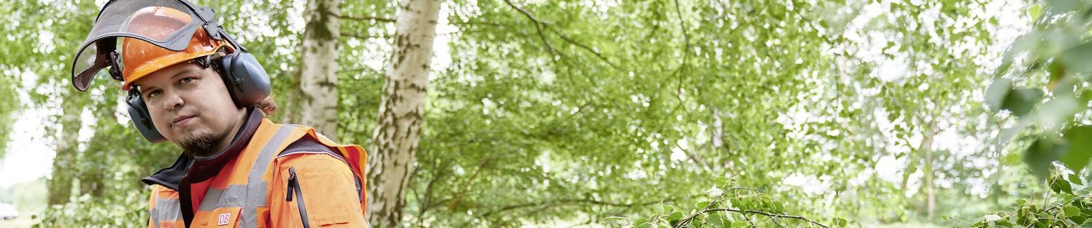 W123_NAB_Vegetationspfleger_Fahrwegdienste_m_1580x330-data
