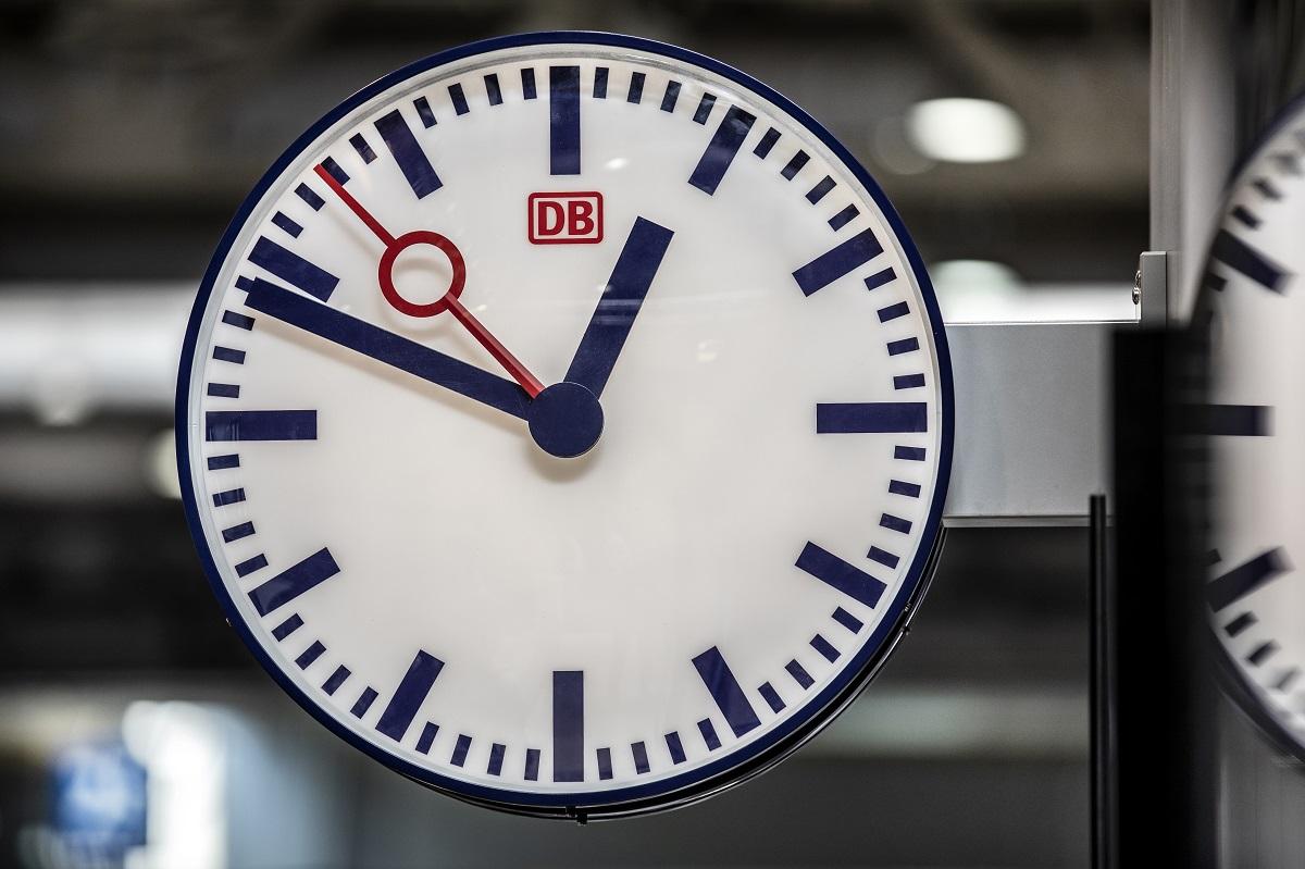 Bahn Uhr