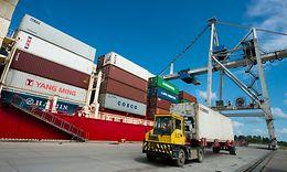 Industriekunden können bei der DB bereits heute Gütertransporte in Echtzeit verfolgen, selbst Temperaturschwankungen oder Erschü