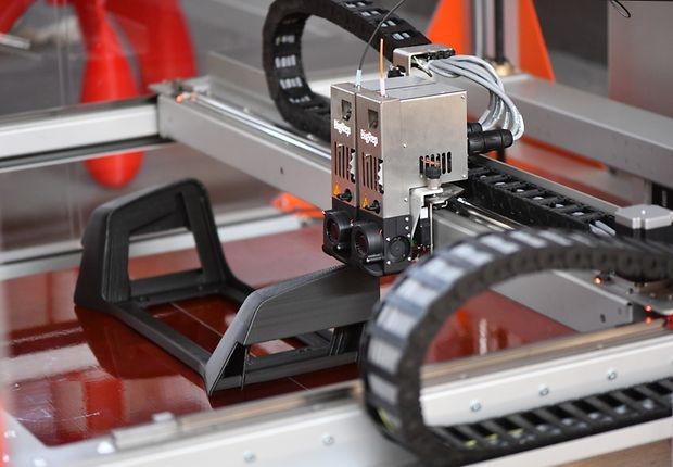 Ersatzteile für die DB aus dem 3D-Drucker: Kopfstütze für einen Regionalzug