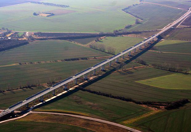 Die Preisgekrönte: Gänsebachtalbrücke auf der Neubaustrecke Erfurt–Leipzig/Halle