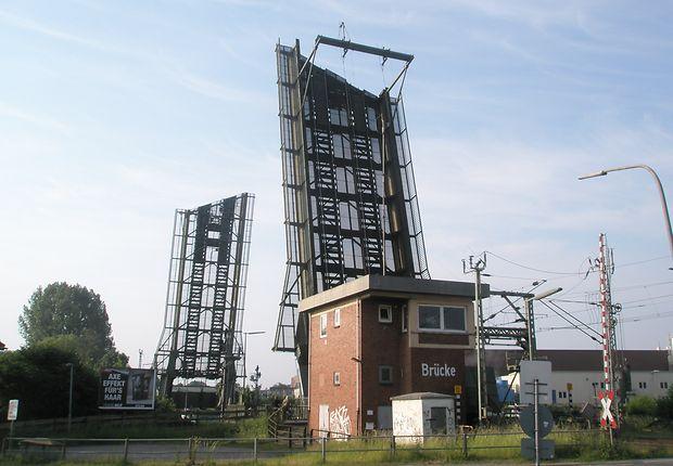 Die mit der großen Klappe: Huntebrücke in Oldenburg