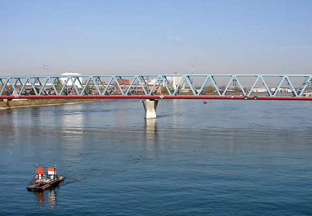 Die Internationale: Eisenbahnbrücke Kehl