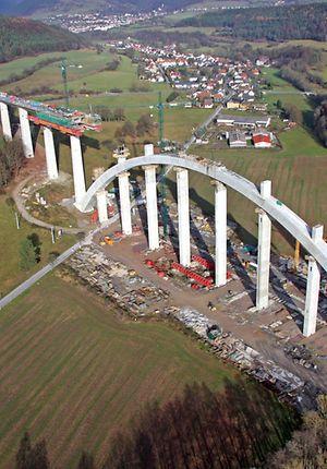 VDE 8.1 - Luftaufnahme der Baustelle an der Grümpentalbrücke