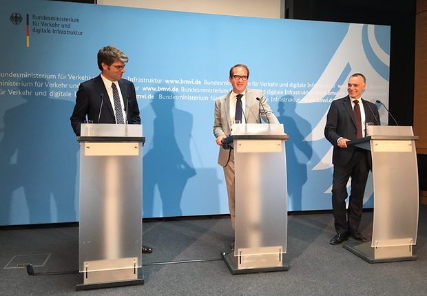 Oliver Wolff, Verband Deutscher Verkehrsunternehmen (VDV), Bundesminister Alexander Dobrindt, DB-Verkehrsvorstand Berthold Hub