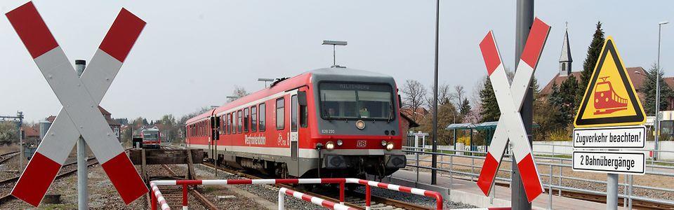 Bahnübergang mit Andreaskreuz