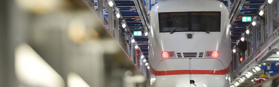 ICE 2 Baureihe 402 im ICE Werk Berlin-Rummelsburg
