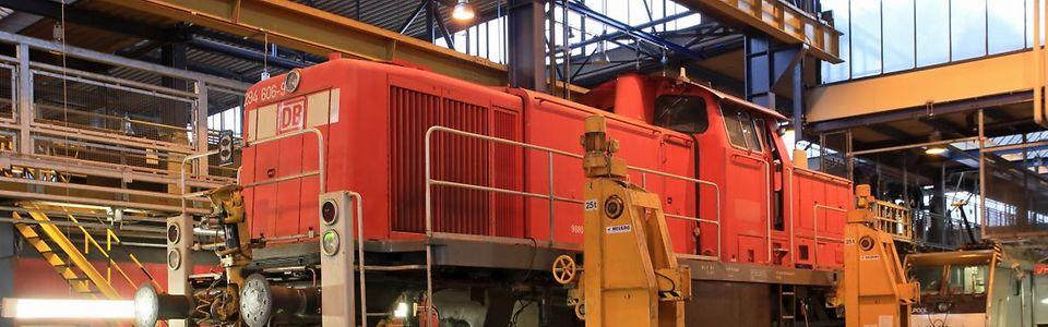 Baureihe 294 auf der Hebebockanlage