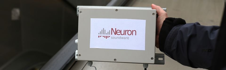 Neuron Soundware hat das Ohr an der Rolltreppe
