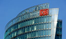 Konzernzentrale der Deutschen Bahn AG am Potsdamer Platz in Berlin (Bahntower)