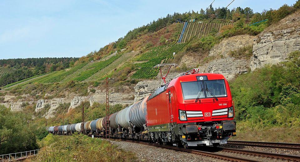 DeutscheBahn: Klimafreundlicher Wasserstofftransport auf der Schiene soll Standard werden.