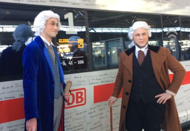 Beim Sonderzug in Erfurt auch dabei: die thüringischen Botschafter Johann Wolfgang von Goethe und Friedrich Schiller